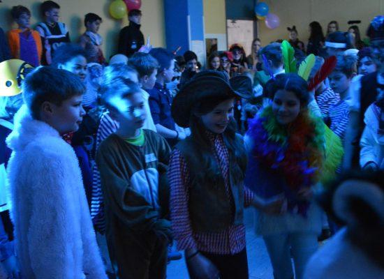Schneegestöber und Kamelleregen: Unsere Karnevalsparty für die Schülerinnen und Schüler der 5. Jahrgangsstufe