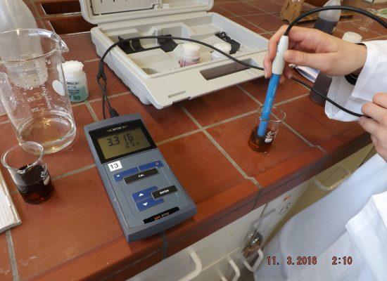 Schnupperuni Chemie für Schülerinnen